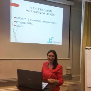Irina Gainza, VD, beredd att presentera föregående årets resultat och årets budget. Foto: Alexis Gainza.
